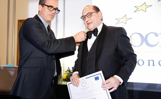 https://www.basilioramirez.es/wp-content/uploads/2020/08/Medalla-Merito-Trabajo-2020-TheMatrix.jpg